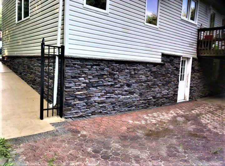 veneer-stone-house-design